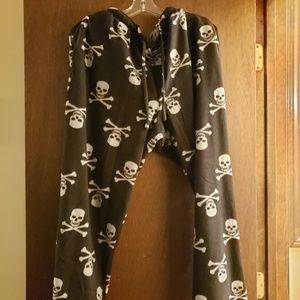 "3 FOR $15: ""Skull and Crossbones"" PJ fleece pants"